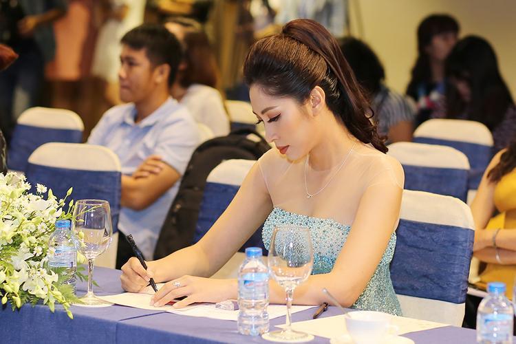 Đương kim Hoa hậu Đại dương Việt Nam - Đặng Thu Thảo có mặt trong buổi họp báo.