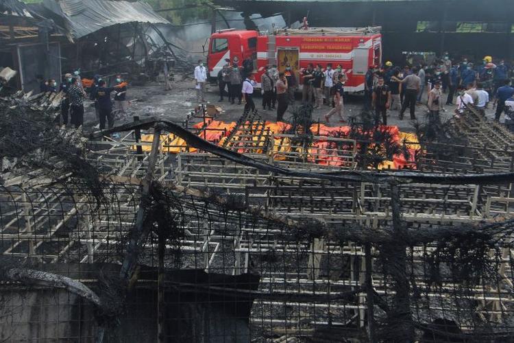 Hiện trường vụ nổ xưởng pháo hoa.