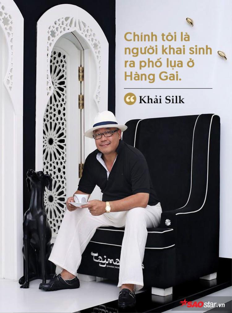 Ngừng việc học tại Nhạc viện Hà Nội ở tuổi 25, ông Hoàng Khải chính thức thành lập cửa hàng Khaisilk để bắt đầu việc kinh doanh. Cửa hàng này làm ăn tấn tới kéo theo sự phát triển của những cửa hàng tơ lụa và đồ lưu niệm khác trong phố Hàng Gai ở Hà Nội.
