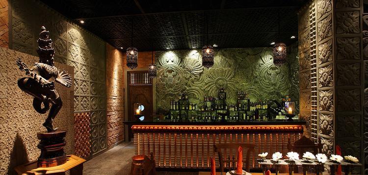 Cham Charmcũng được biết đến như một gallery ẩm thực đầu tiên của châu Á, nơi có tới hơn 1.300 loại rượu từ khắp thế giới.