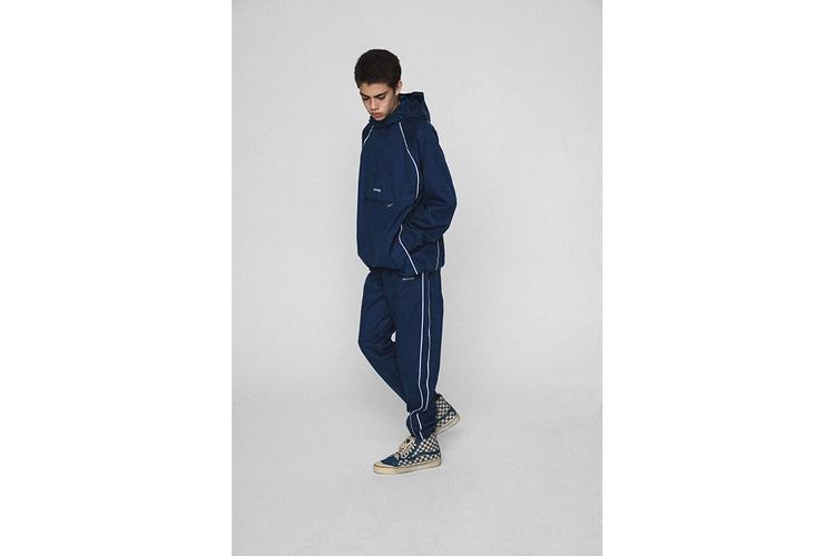Sportwear cũng được mix với dáng oversize phóng khoáng.