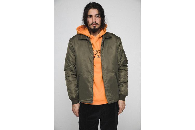 … đến $85-$110 cho hoodie và hơn $150 cho jacket.