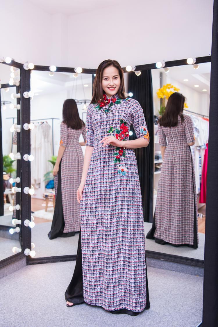 Khánh Ngân The Face mang My Vietnam của Á hậu Thuý Vân đến Miss Globe 2017