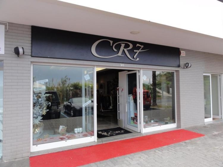 Một cửa hàng thương hiệu CR7