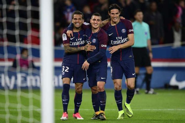 Các cầu thủ PSG vui mừng trong chiến thắng Nice sáng nay.