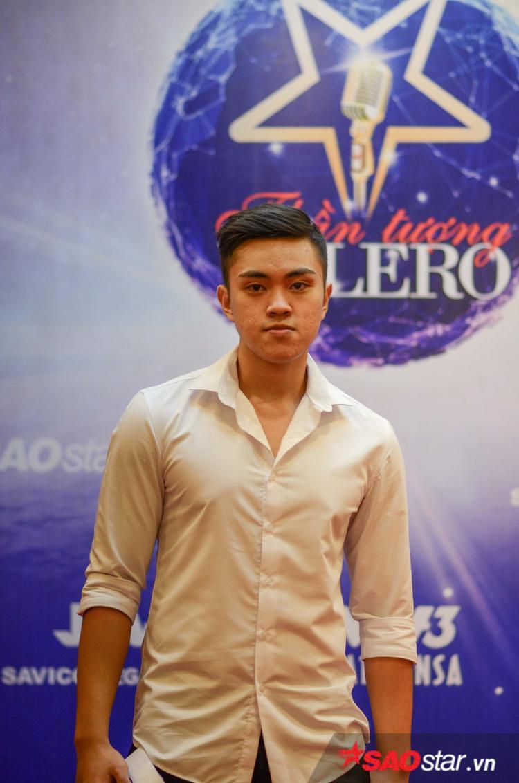 Thí sinh Đặng Kim Cương (20 tuổi) đến từ Hà Nội. Bạn chia sẻ đam mê Bolero từ nhỏ và thần tượng ca sĩ Duy Khánh, Quang Lê.