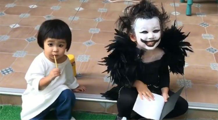Em bé Vô Diện hóa Ryuk (Death Note) và lần này các bạn em rất thích thú