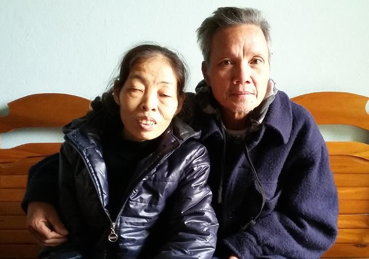 Cha mẹ của Thắng đau buồn trước sự ra đi của cậu con trai tuổi đời còn quá trẻ.