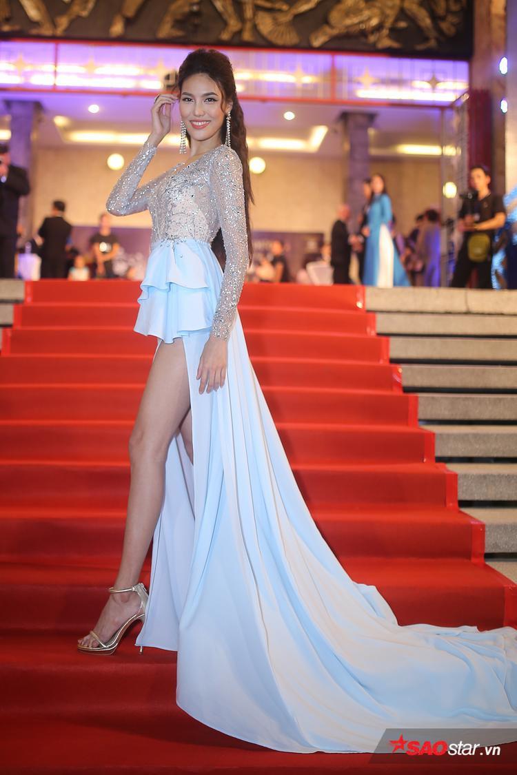 Lan Khuê cảm thấy áp lực trước giờ G chung kết Hoa hậu Đại dương Việt Nam 2017