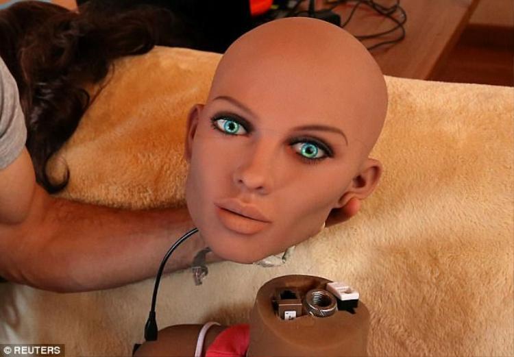 Robot tình dục sắp có cảm xúc tình dục, biết phân biệt tốt  xấu