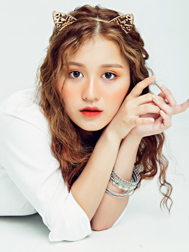 Cô nàng 17 tuổi với thử thách diễn xuất trong vai công chúa Bích Chi.