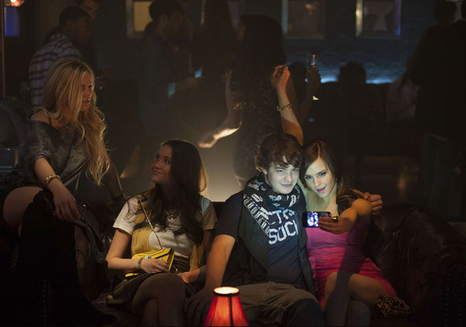 Emma Watson, Israel Broussard, Katie Chang, và Claire Julien trong The Bling Ring (2013)