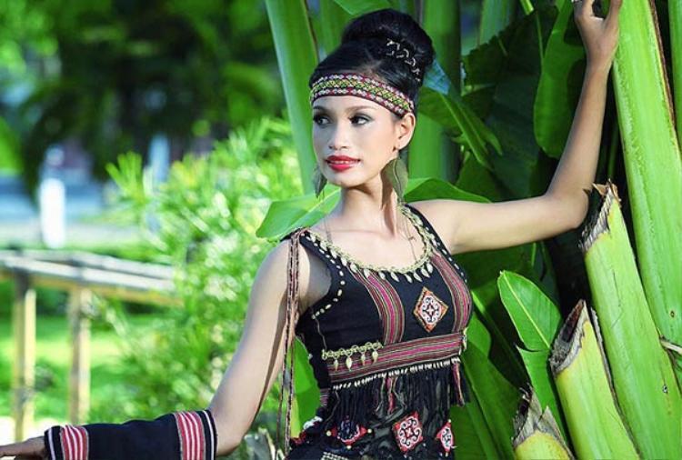 Tại Hoa hậu các dân tộc, H'ăng Niê lọt vào Top 6 chung cuộc và giành giải phụ Thí sinh có hình thể đẹp nhất.