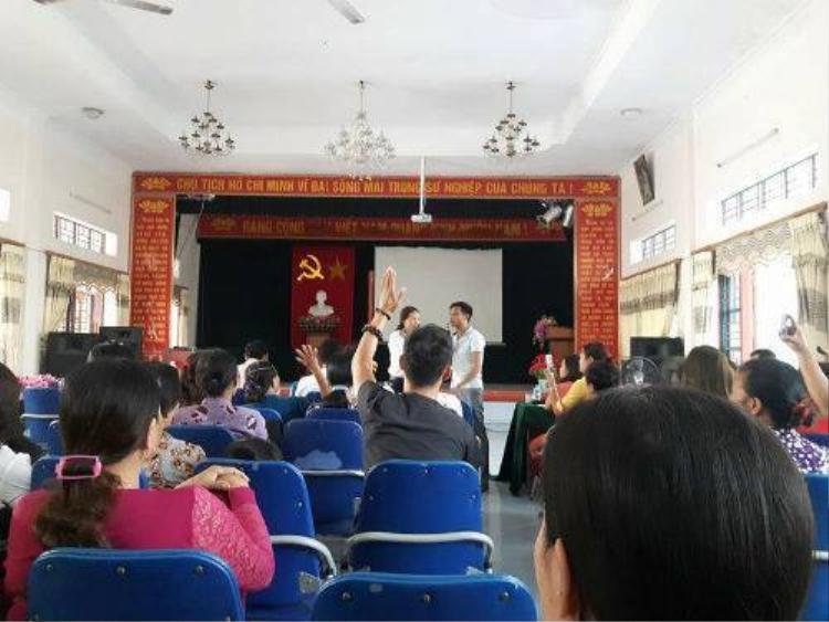 Cuộc họp được nhà trường tổ chức.
