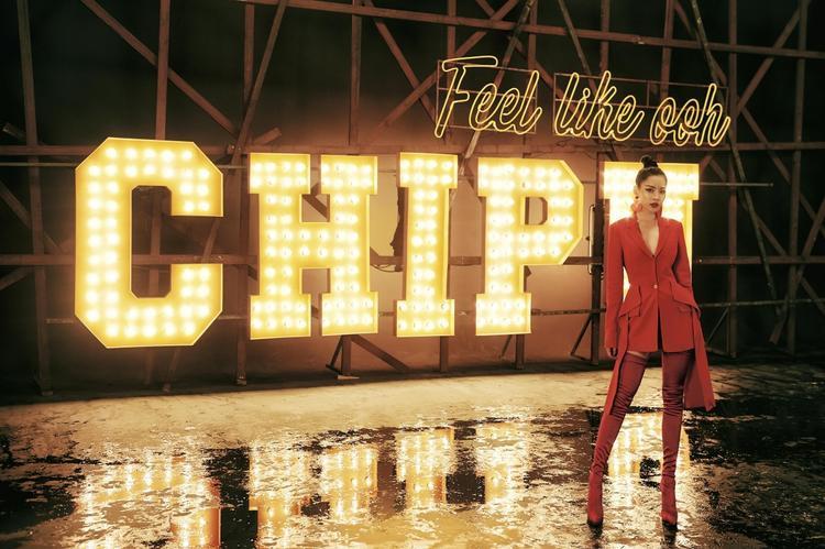 Tháng 10: Mỹ Tâm 'thống trị', Chi Pu debut mạnh mẽ và loạt sao nữ dồn dập comeback
