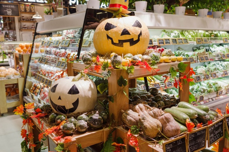 Sài Gòn tràn ngập không khí Halloween, không đến chụp hình thật phí!
