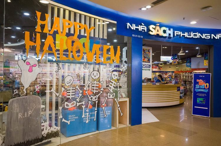 Nhà sách Phương Nam rất biết cách đón Halloween.