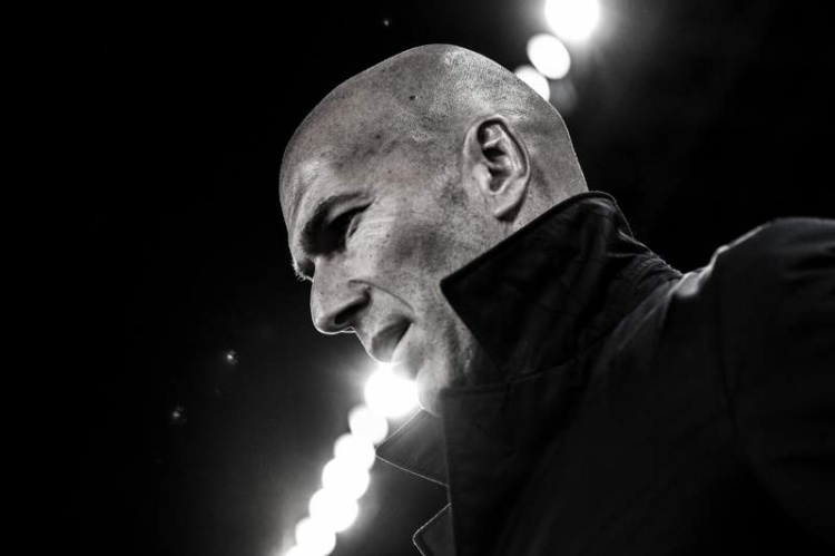 Thầy trò Zidane thất bại chủ yếu do không biết mình, biết người.