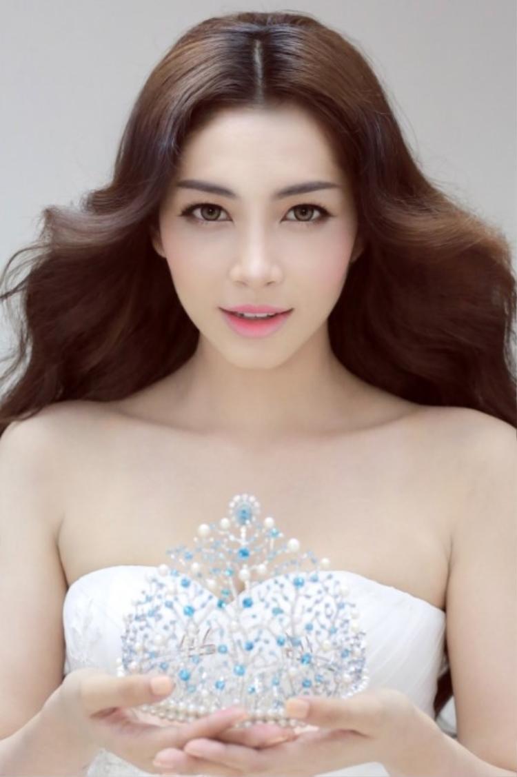 Đặng Thu Thảo từ bỏ vương miện Hoa hậu Đại Dương 2014 sau lùm xùm với BTC