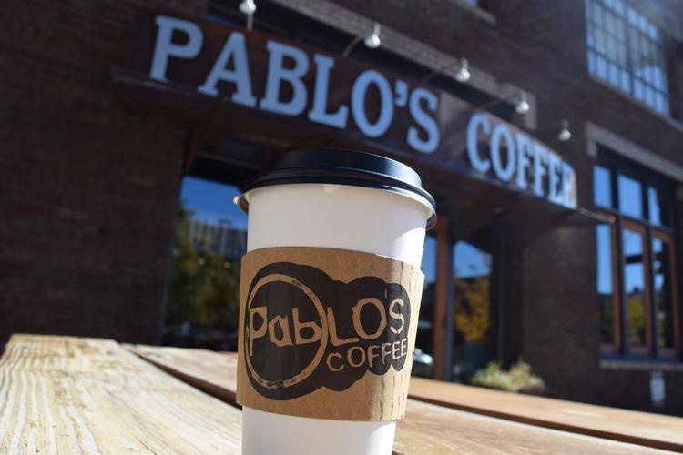Cà phê:Như hầu hết các thành phố lớn, có vô vàng những cửa hàng cà phê để lựa chọn và Denver cũng không ngoại lệ.