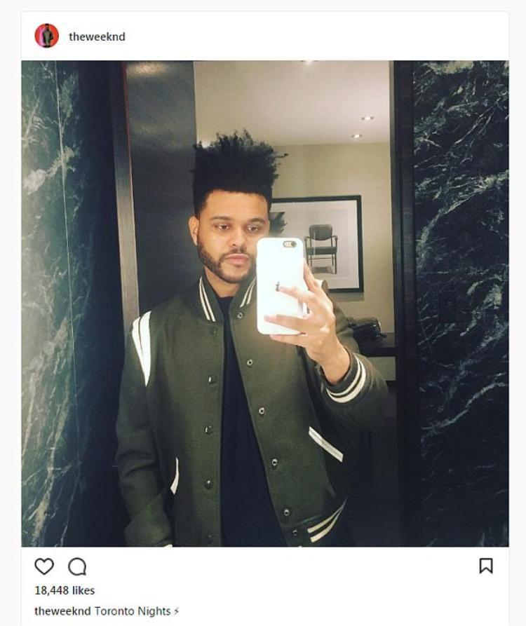 The Weeknd bình thản đăng ảnh selfie vài giờ sau khi tin tức chia tay Selena Gomez lan tràn trên mạng.