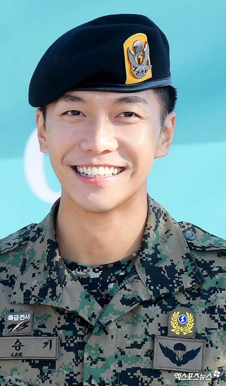 Vừa xuất ngũ, Lee Seung Gi đã chuẩn bị sẵn sàng trở lại với khán giả màn ảnh nhỏ