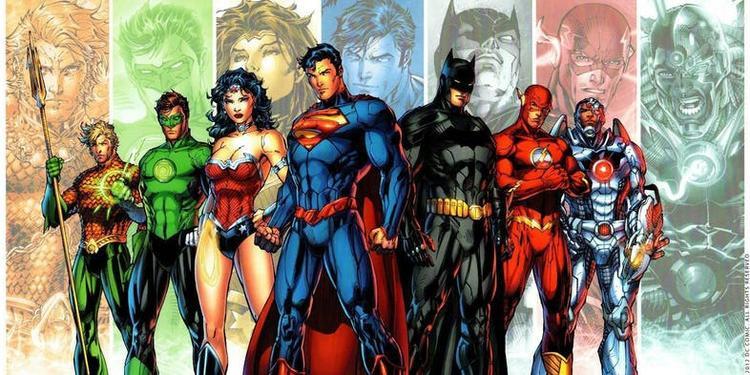 Cyborg trong New 52 cùng với Aquaman, Batman, The Flash, Green Lantern, Superman và Wonder Woman,