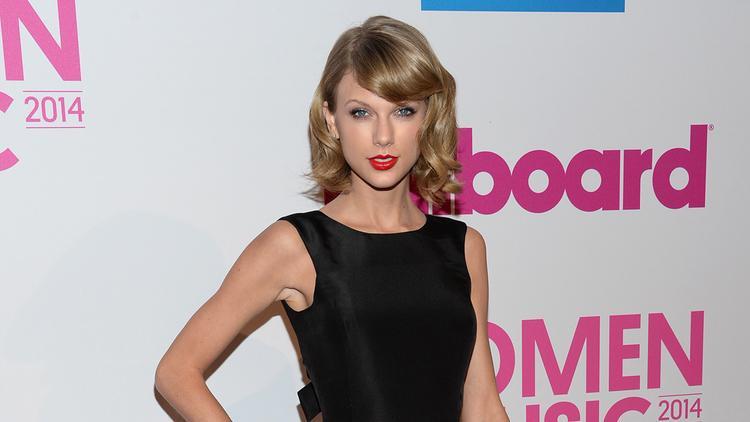 Cô bạn thân Taylor Swift cũng đã nhận được danh hiệu này vào 2 năm: 2011 và 2014.