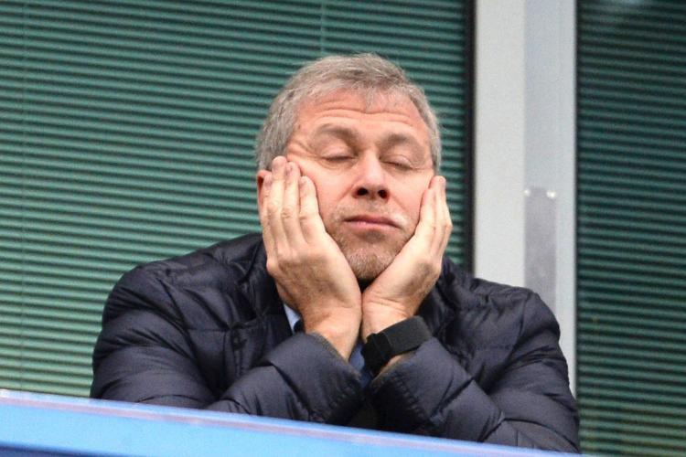 Roman Abramovich thường mua cầu thủ ông thích, nhưng chưa hẳn HLV cần.