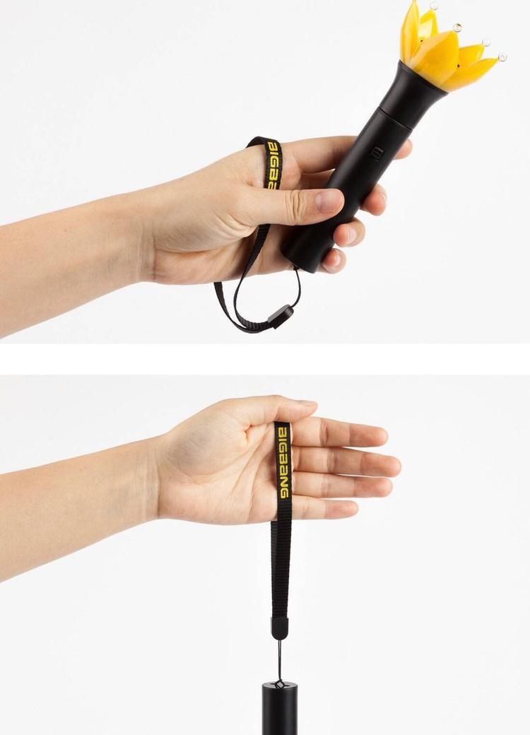 Khi không dùng đến có thể treo nó trên cổ tay, vừa không sợ rơi lại vô cùng tiện lợi.