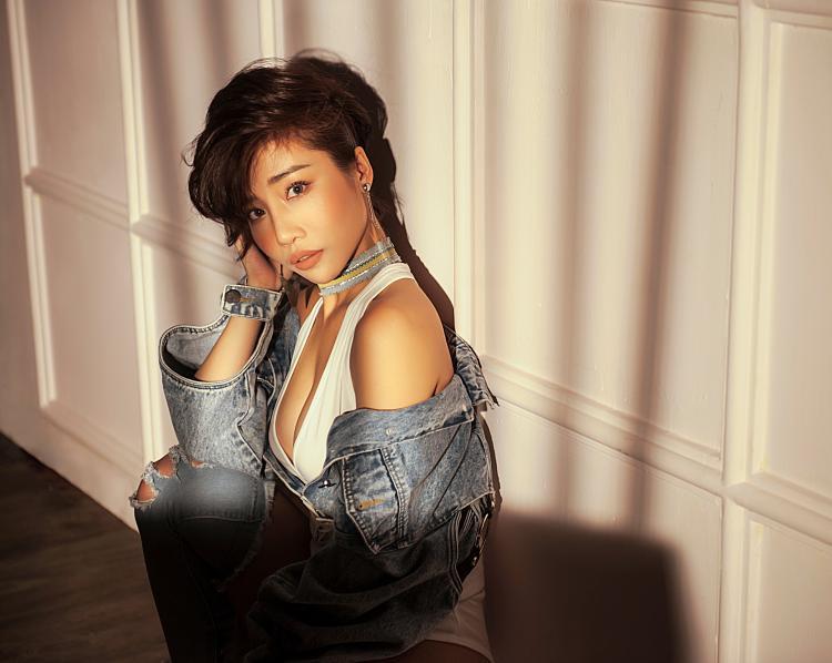 Hằng BingBoong bất ngờ ra mắt sản phẩm nhạc xưa theo phong cách hiện đại