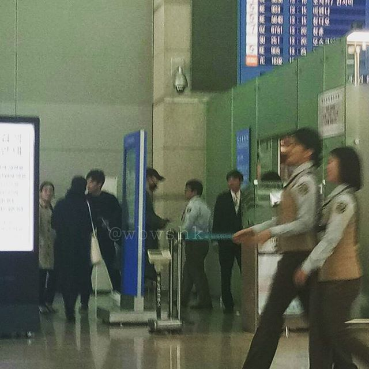 Song Joong Ki và Song Hye Kyo lên đường đi nghỉ tuần trăng mật ở châu Âu