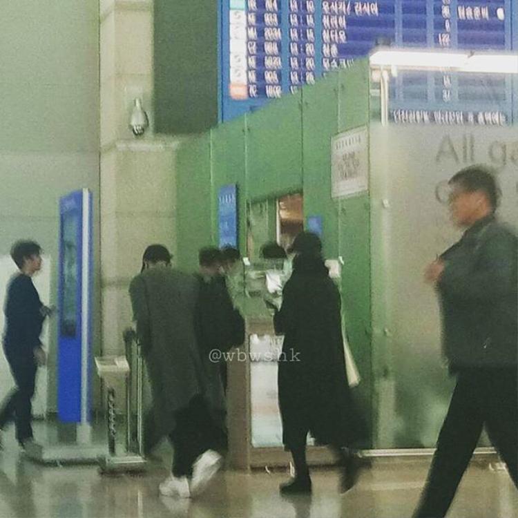 Song Joong Ki và Song Hye Kyo lên đường đi nghỉ tuần trăng mật ở châu Âu.