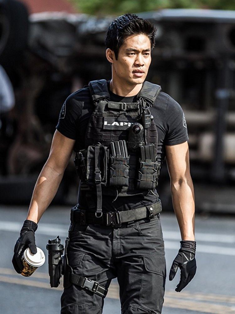David Lim trong vai David Tan.
