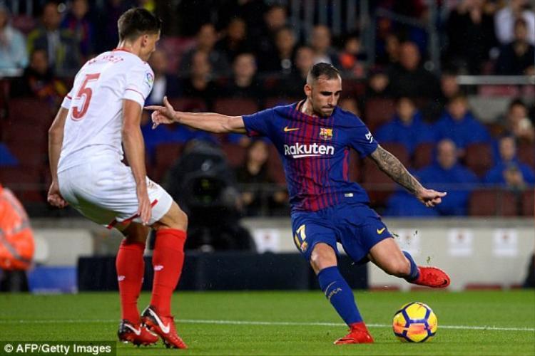 Paco Alcacer ghi cả 2 bàn cho Barca.