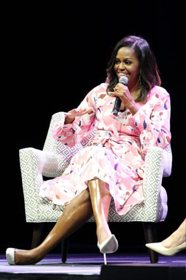 Thương hiệu thời trang yêu thích của Michelle Obama là J.Crew. Đệ nhất phu nhân Obama chính là hình mẫu mà Ivanka Trump muốn theo đuổi.