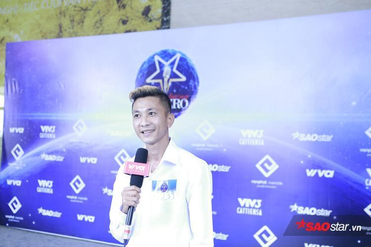 Đây là anh thợ hớt tóc đến từ Trà Vinh góp mặt trong buổi tuyển sinh.