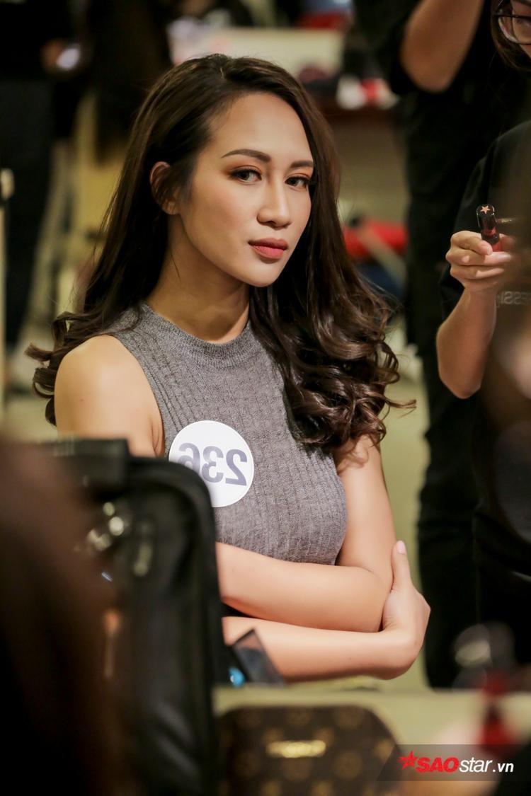 Nguyễn Thị Anh: Tham gia 21 cuộc thi, cover hit Mỹ Tâm và sẵn sàng trốn về Việt Nam để đăng ký Hoa hậu Hoàn vũ