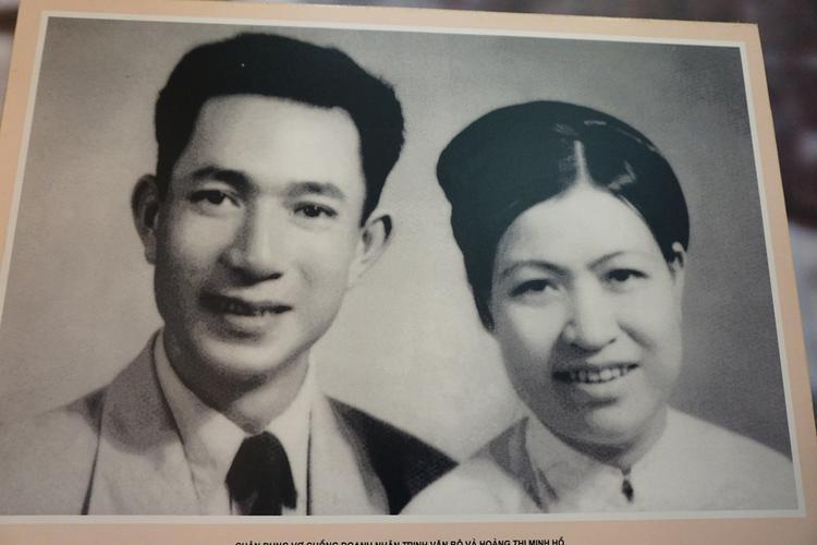 Hình ảnh vợ chồng ông Trịnh Văn Bô.