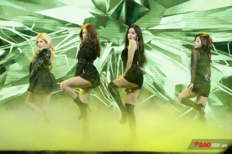 Một vài hình ảnh của T-ara trong sự kiện Giao lưu văn hóa Việt - Hàn ngày 8/11 vừa qua.