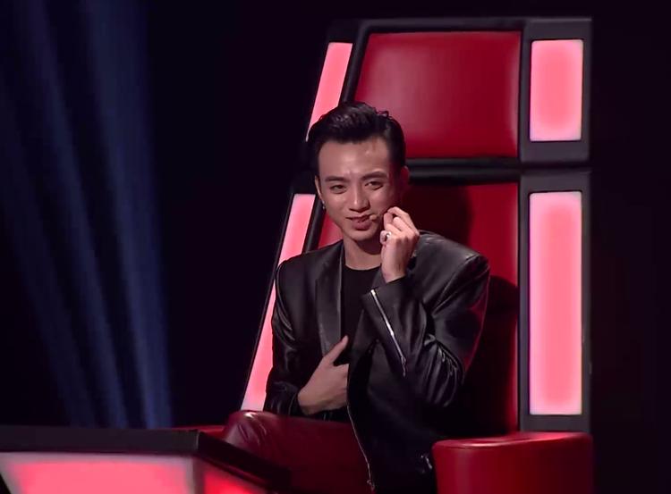 Soobin ấn tượng với giọng hát của Hương Tràm.