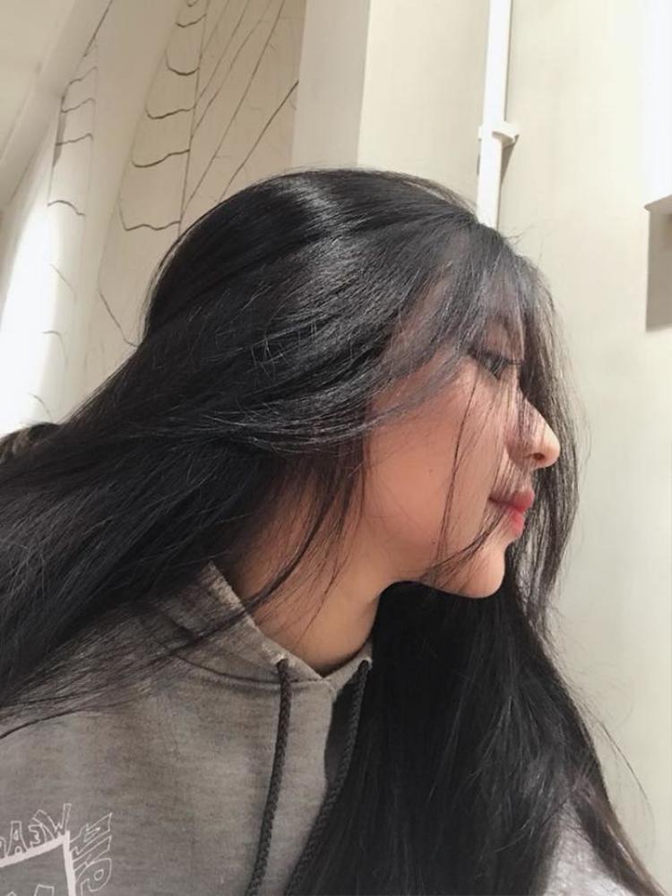 Không cần quá màu mè, nữ sinh Việt này vẫn thật xinh đẹp.