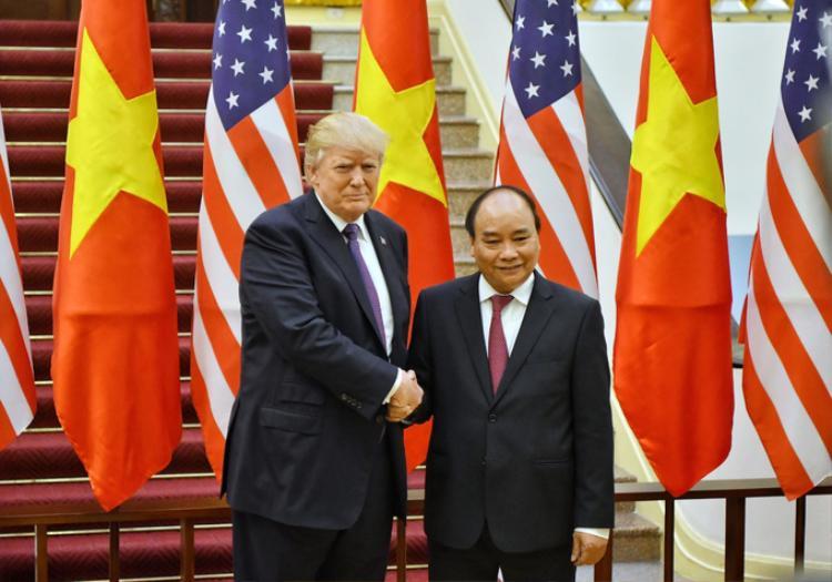 Nhìn lại ba ngày làm việc của Tổng Thống Mỹ Donald Trump tại Việt Nam
