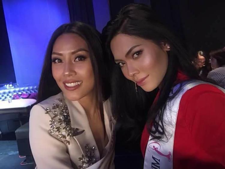 Hai đại diện đến từ Đông Nam Á tại Miss Universe 2017 - Miss Vietnam và Miss Cambodia.