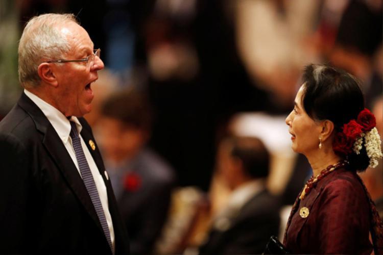 Những khoảnh khắc khó quên từ nghị trường đến đời thường của các nhà lãnh đạo APEC