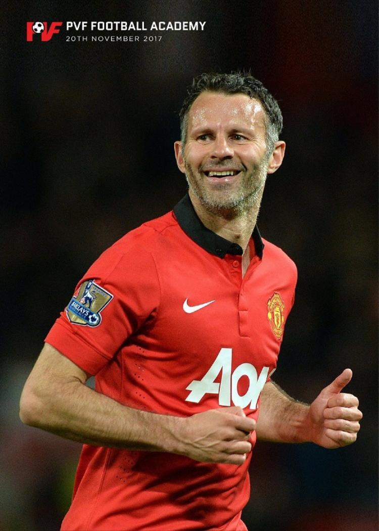 """Đồng hành với Ryan Giggs là cựu tiền vệ tài hoa Paul Scholes, một trong những trụ cột của CLB Manchester United ở thời kỳ hoàng kim nhất của """"Quỷ đỏ""""."""
