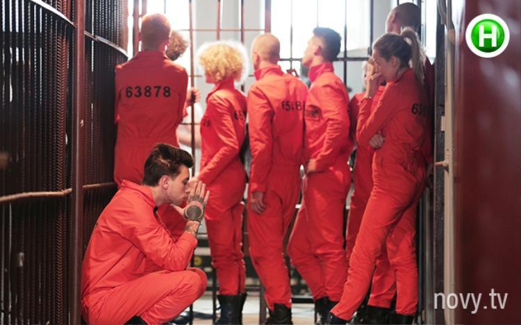 Họ phải trải qua những cảm giác như một tù nhân thứ thiệt.