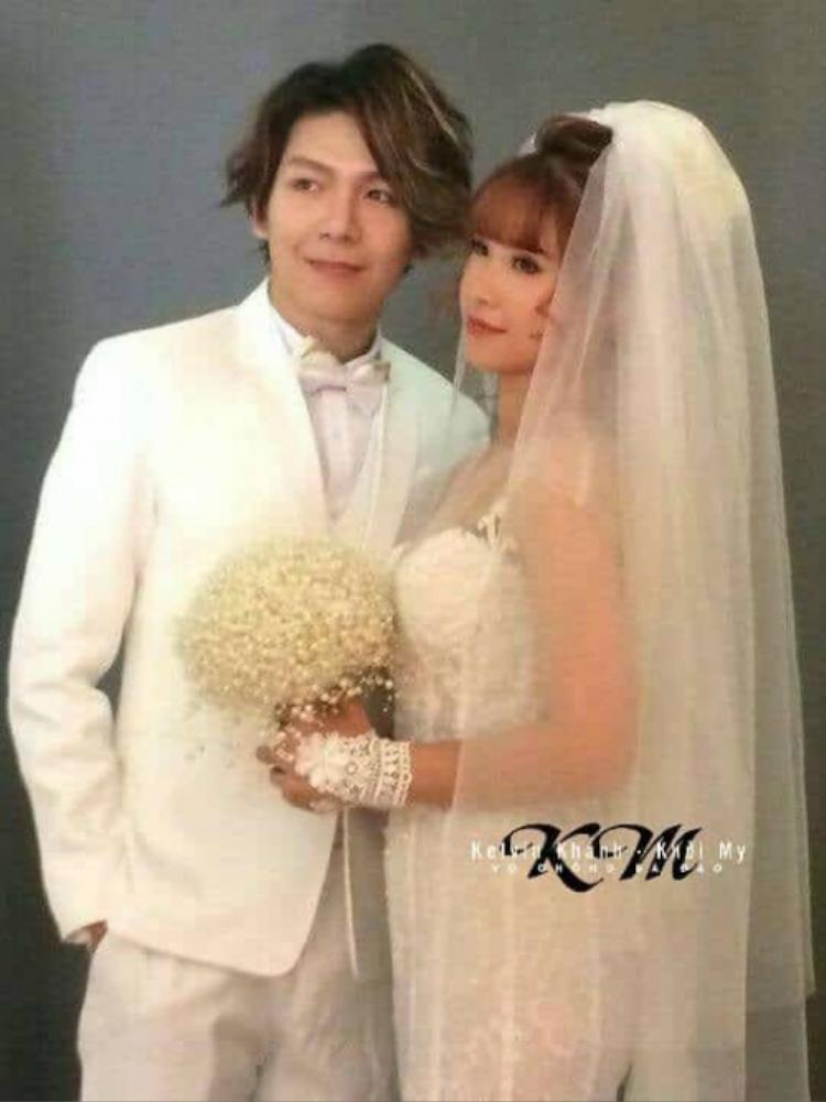 Khoảnh khắc Kevin Khánh - Khởi My trong studio chụp ảnh cưới được một cư dân mạng tiết lộ. Nguồn: Facebook Nguyễn Thị Kim Thịnh