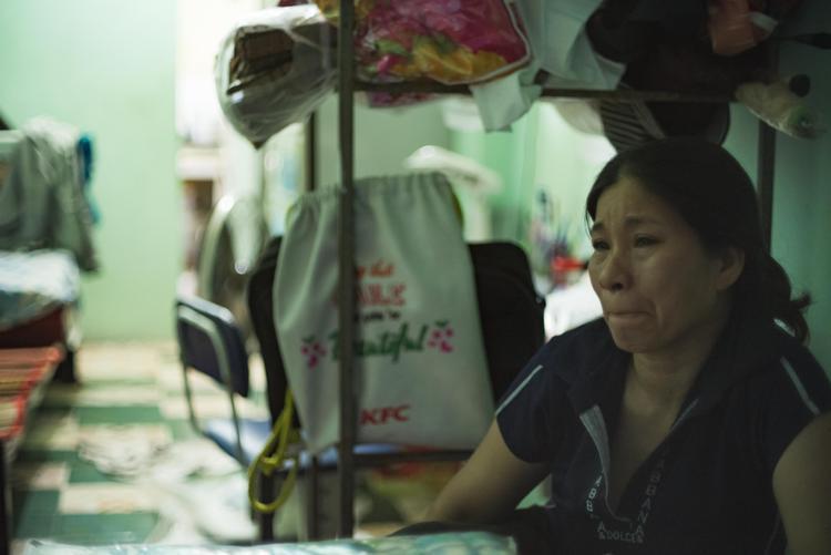 Cô Thùy Trang rưng rưng nước mắt khi kể về đứa con gái xấu số.