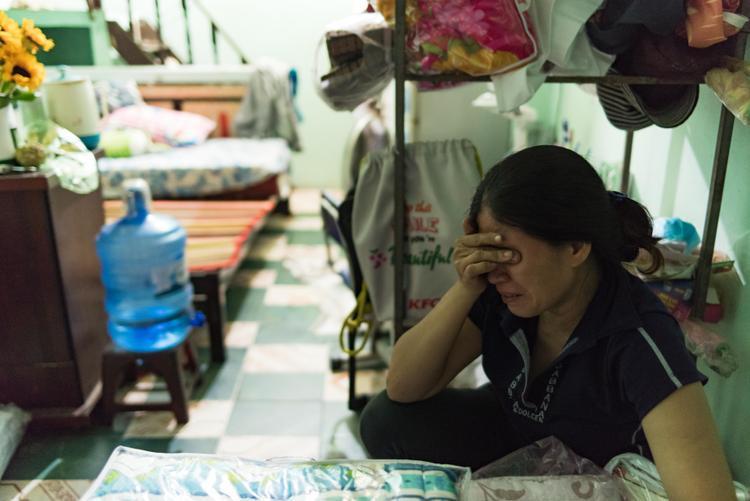 Cô Trang không cầm được nước mắt mỗi khi nhớ lại đứa con gái ngoan.